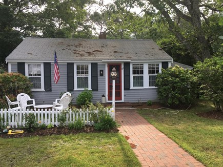 Brewster Cape Cod vacation rental - Front of charming cottage