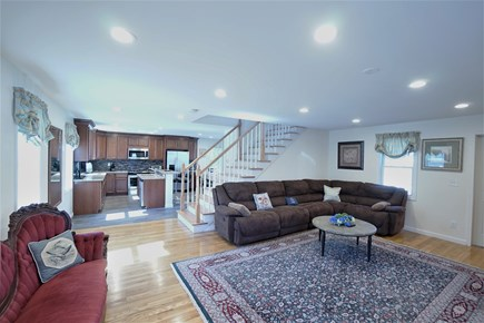 Barnstable, Haynnis Cape Cod vacation rental - The Villa filled with air and light