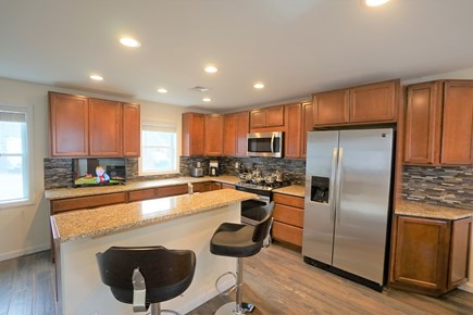 Barnstable, Haynnis Cape Cod vacation rental - Brand new kitchen...