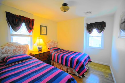 Barnstable, Haynnis Cape Cod vacation rental - Bedroom on the second floor with two twin beds