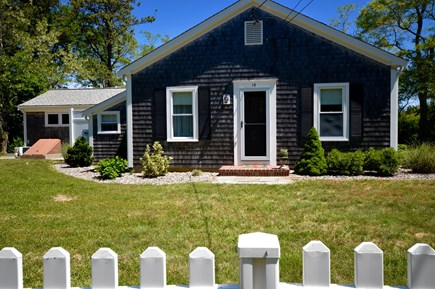Orleans Cape Cod vacation rental - Quaint Cottage next to Kettle Pond