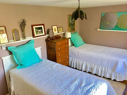 Marstons Mills Marstons Mills vacation rental - Lavender bedroom/office and small library