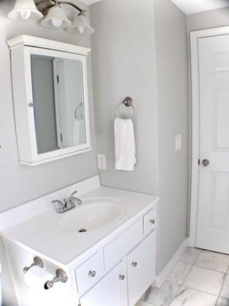 Centerville Centerville vacation rental - Master full bath