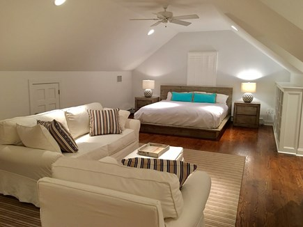 Chatham (in town) Cape Cod vacation rental - Huge 2nd floor King Master