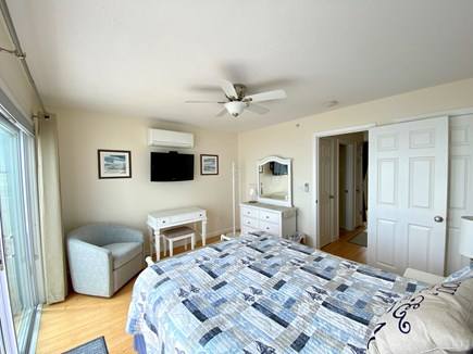 North Truro Cape Cod vacation rental - Bedroom -  AC, ceiling fan, chair, desk/vanity and flat panel TV