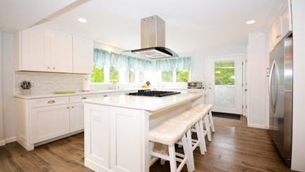 New Seabury, Popponesset, Mash New Seabury vacation rental - 100% New Stainless, Granite and White Chef's Kitchen