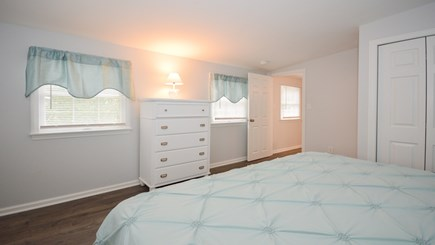 New Seabury, Popponesset, Mash New Seabury vacation rental - BR 2: Second King Bedroom Upstairs with Comfy Memory Foam Bed