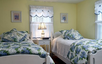 Dennis Port Cape Cod vacation rental - Bedroom with 2 twins, linens provided