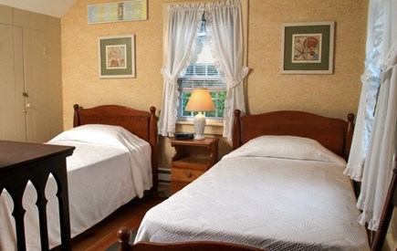 Dennis Port Cape Cod vacation rental - Bedroom with 2 twin beds.  Cable television in room.