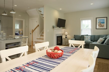 Dennis, Mayflower Beach Cape Cod vacation rental - Dining area with seating for 8