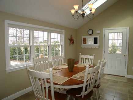 Dennis, Mayflower Beach Cape Cod vacation rental - Dining area