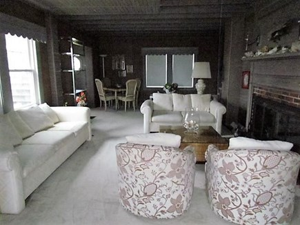 Falmouth Cape Cod vacation rental - Beautiful living room !