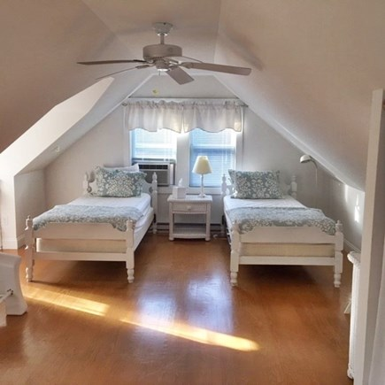 Brewster Cape Cod vacation rental - Bedroom with 2 twin beds