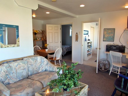 Sagamore Beach, Bourne Sagamore Beach vacation rental - Guest Suite- Living room & Eating area