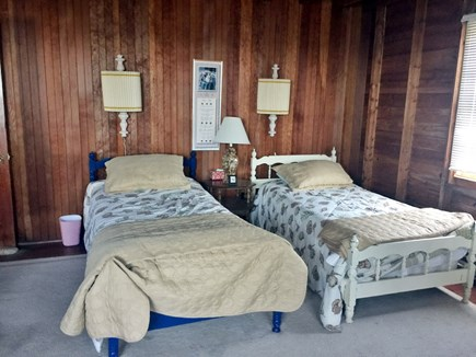"Sagamore Beach, Bourne Sagamore Beach vacation rental - Upstairs ""dormitory style"" bedroom has 4 single bed"