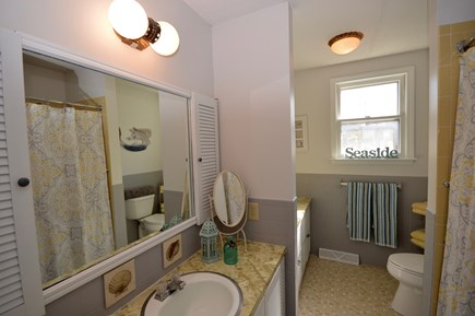 Orleans Cape Cod vacation rental - Full bath with tub/ shower combo