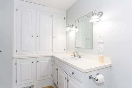 East Orleans Cape Cod vacation rental - Hall bath with tub/shower
