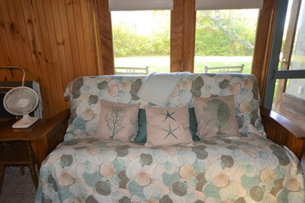 Orleans Cape Cod vacation rental - Futon with views of front yard