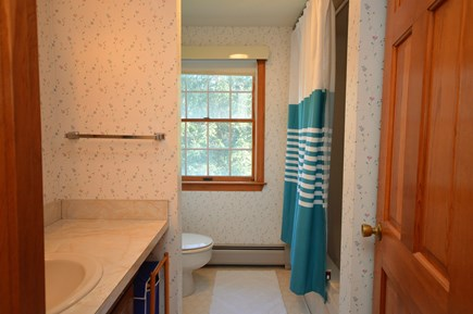 Orleans Cape Cod vacation rental - Upper level full bathroom with bath