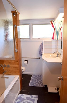 Wellfleet Cape Cod vacation rental - Marble-tiled full bath (main floor)