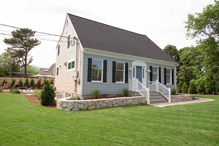 Dennis, Mayflower Beach Cape Cod vacation rental - Front & side of house