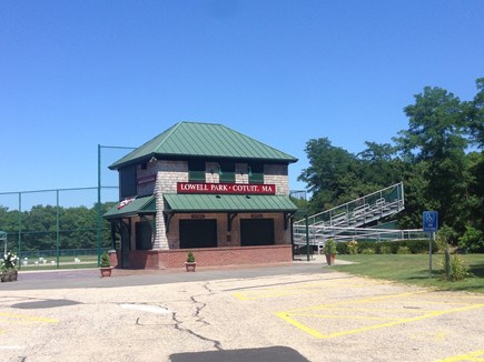 Cotuit Cotuit vacation rental - See the baseball stars of tomorrow play for the Cotuit Kettleers