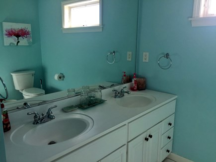 Orleans Cape Cod vacation rental - Shared Bathroom.