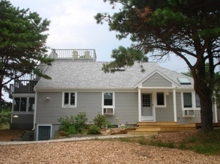Wellfleet Cape Cod vacation rental - Front approach to home.