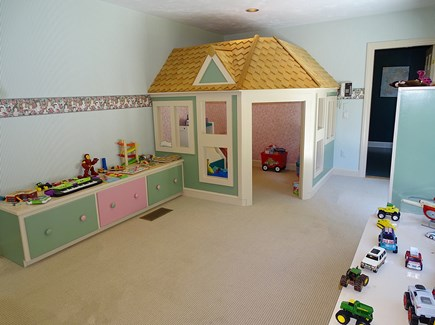 Barnstable Village Cape Cod vacation rental - A big hit with the little kids - Doll house / playroom