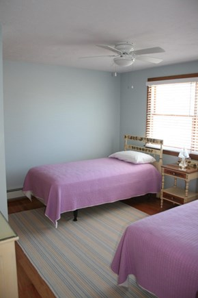Sandwich, Town Neck Cape Cod vacation rental - Main floor 2 twins bedroom