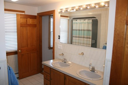 Sandwich, Town Neck Cape Cod vacation rental - 1st floor full bath adjoins queen bedroom