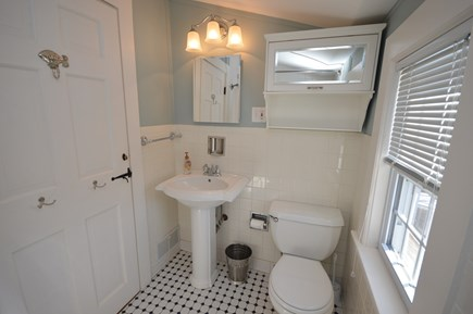 Orleans Cape Cod vacation rental - Upper level full bath with tub/shower combo