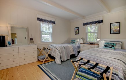 Hyannis Port Cape Cod vacation rental - Bedroom has twin beds and is tastefully decorated.