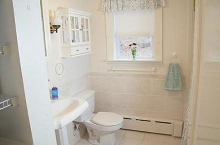Wellfleet Cape Cod vacation rental - Full Bath