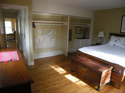E Orleans / Orleans Village Cape Cod vacation rental - Master bedroom (queen bed)