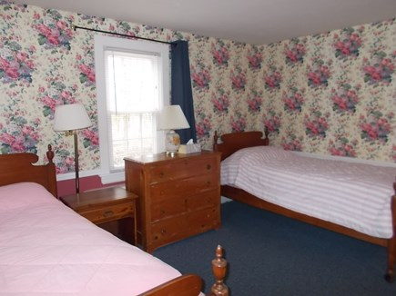 Centerville, Barnstable Centerville vacation rental - Second bedroom with twin beds