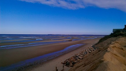 Eastham, Bay Side, North of Campground  Cape Cod vacation rental - One minute walk to stairs, sand bars and tidal pools at low tide.