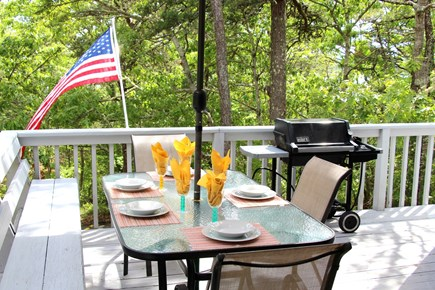Brewster Cape Cod vacation rental - Out door deck dinning off the kitchen.
