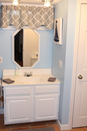 Brewster Cape Cod vacation rental - Lower level bathroom
