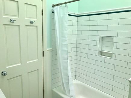 Orleans Cape Cod vacation rental - Upstairs bath