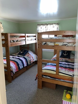 Mashpee, Popponesset Cape Cod vacation rental - Kids Bed with 2 bunks