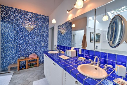 Wellfleet Cape Cod vacation rental - First Floor Master Bathroom