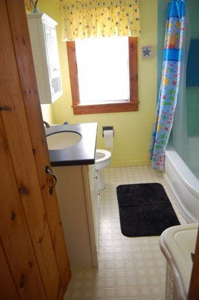 Chatham Cape Cod vacation rental - Bathroom - Tub/Shower