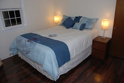 South Dennis Cape Cod vacation rental - 1st Floor Queen Bedroom