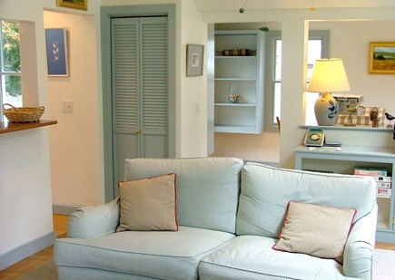 Orleans Cape Cod vacation rental - Living room (1)