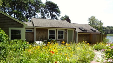 Orleans Cape Cod vacation rental - Waterfront cottage