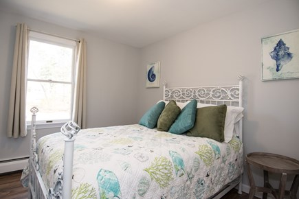 Centerville Centerville vacation rental - Middle bedroom. Full Bed. Closet. Bureau.