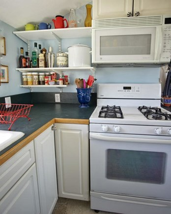 Hyannis Port Cape Cod vacation rental - Kitchen with gas stove, dishwasher and frig w/ ice cube maker