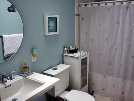 Orleans Cape Cod vacation rental - Upstairs Bathroom.