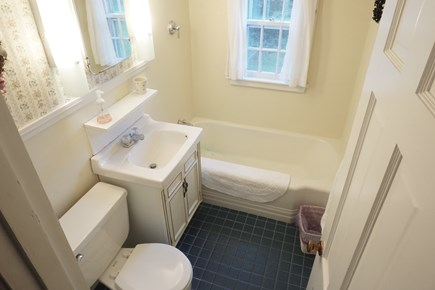 Bourne, Pocasset Cape Cod vacation rental - Second Floor Bathroom